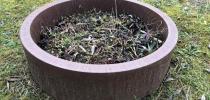 d) Round flower pot